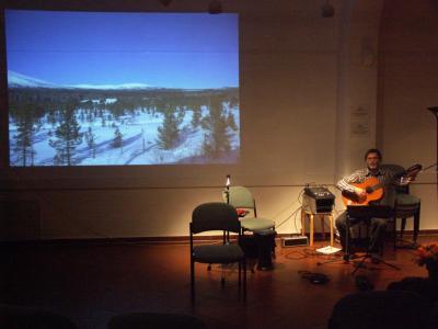 Kai Michaels, Gitarrenlehrer aus Zehlendorf spielt Edvard Grieg